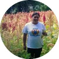 """""""Doña Rosmery es una mujer trabajadora, alegre, que cree firmemente en sus capacidades para triunfar y que nos trae muy buena energía a todos los en el equipo Enactus Landívar"""""""